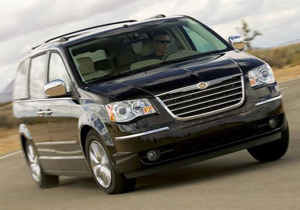 Chrysler llama a revisión cerca de 300,000 minivans