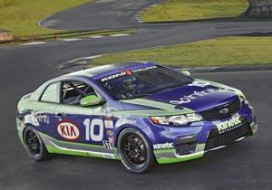 El Kia Forte debuta en la Serie Sports Car Challenge