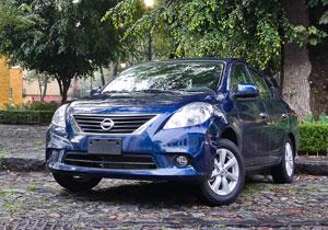 Nissan Versa Advance automático 2012 a prueba