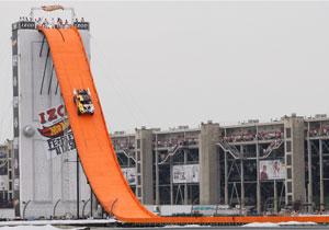 Hot Wheels impone un nuevo récord de salto en rampa