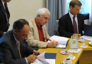 Acuerdo entre ADEFA, AFAC y el INTI