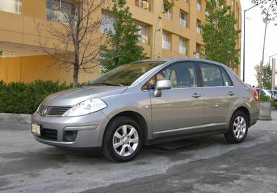 Nissan Tiida sedán 2007: a prueba