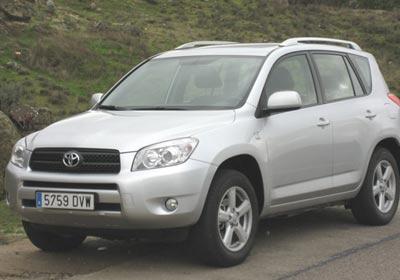 Toyota detiene ventas de RAV4