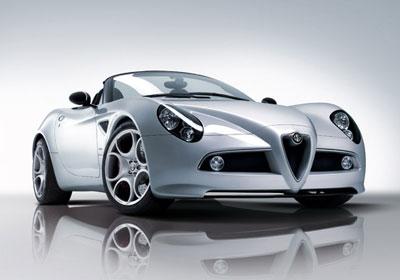 Alfa Romeo 8C Spider: sin techo vuela