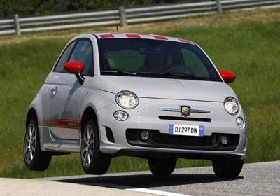 Fiat 500 Abarth: mini deportivo de 205 km/h