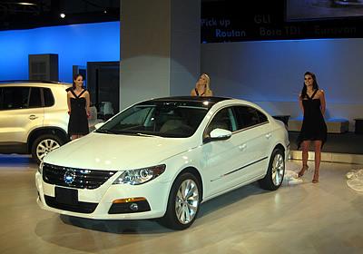 VW presenta Tiguan, Passat CC y Routan en el Salón de México