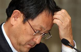Presidente de Toyota se disculpa por la falla en sus autos