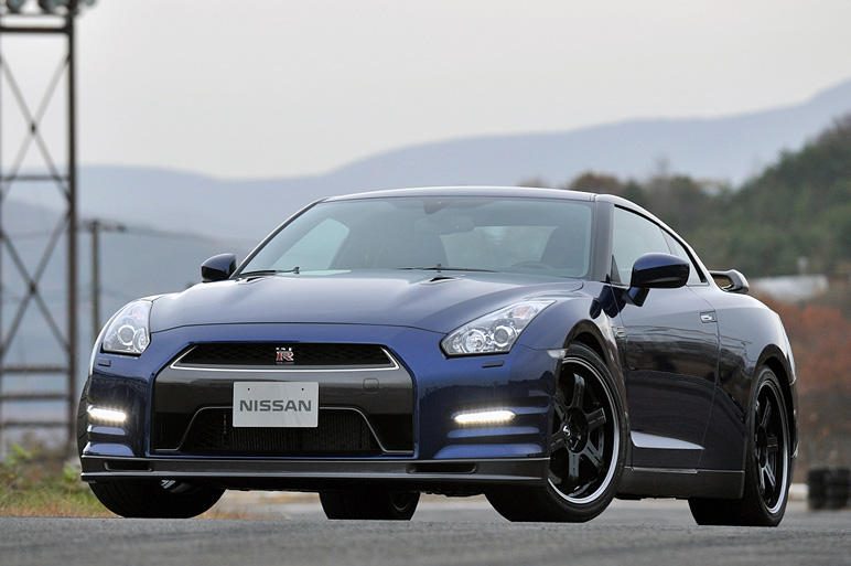 Nissan GT-R 2011: Cambiar para mejor