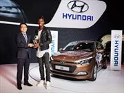 Hyundai premió en el Salón de París 2014 al futbolista Paul Pogba