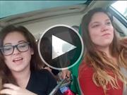 Video: no uses el selfie stick en el auto