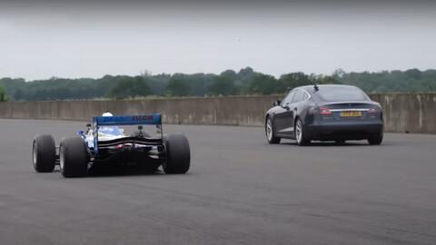 Tesla Model S vs un Benetton F1 de 1997, descubre cuál fue el ganador