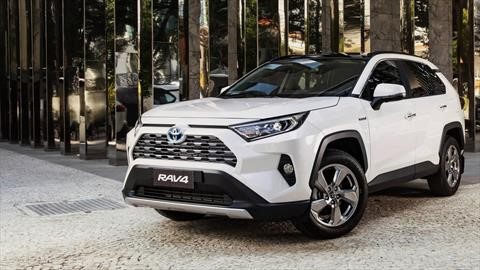 La Toyota RAV4 Hybrid gana en conectividad