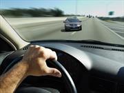 ¿Qué hacer si un auto viene de frente?