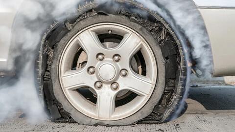 Las señales que indican que es momento de cambiar los neumáticos del automóvil
