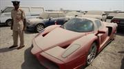 Ferrari Enzo abandonado en un lote de Dubai