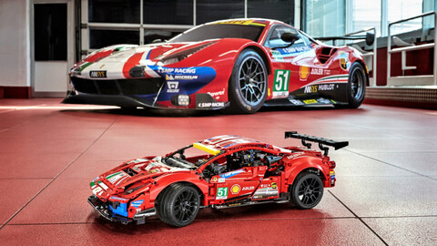LEGO Technic ahora te permite armar tu propia Ferrari 488 GTE