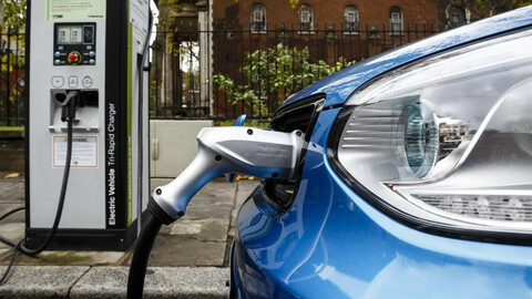 Nueva recarga ultrarrápida para autos eléctricos, en cinco minutos al 100%