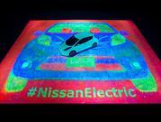 Nissan tiene el Récord Guinnesss por obra de arte fluorescente más grande