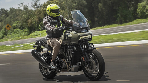 Harley-Davdison Pan America, conociendo a la nueva chica de la clase