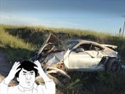 Un Porsche Cayman GT4 queda destrozado en Mendoza