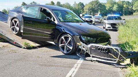 Automovilista acelera a 300 km por hora en su Audi RS7 al intentar de escapar de la policía
