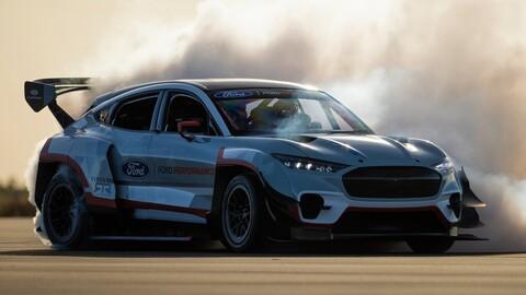 Ken Block demuestra la capacidad de drifting del Mustang Mach-E 1400