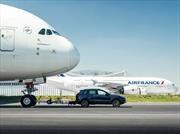 Porsche Cayenne gana Récord Guinness por remolcar un Airbus A380