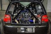 Un Volkswagen Golf con motor V10 de Lamborghini, una verdadera locura
