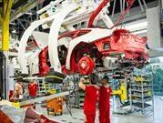 Ferrari aumenta su producción por la alta demanda de autos