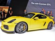 Porsche presenta en Chile el Cayman GT4