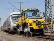 Mercedes-Benz Unimog ahora también es un camión extremo para las vías de tren