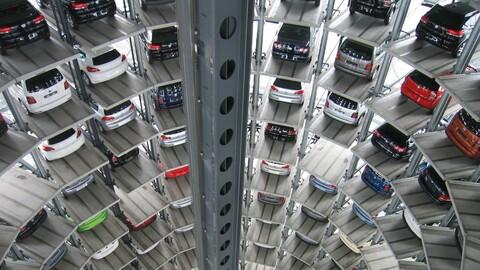 Así robaron 70 autos nuevos en una planta de Volkswagen, en Alemania