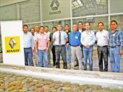 Técnicos de Renault Chile son certificados