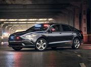 Ford presenta el primer auto de policía híbrido enchufable