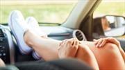 Estas son las consecuencias de viajar con los pies encima del tablero del automóvil