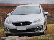 Los Peugeot 308 y 408 estrenan novedades