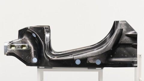 McLaren desarrolla un chasis de fibra de carbono para sus próximos autos híbridos y eléctricos