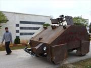 Rebeldes sirios fabrican blindado comandado por joystick de Playstation
