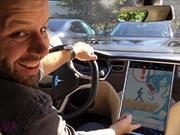 Lo que faltaba: Hackea su Tesla S para jugar Pokémon Go