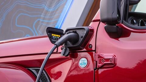 Italia se suma a la tendencia y prohibirá la venta de autos a gasolina