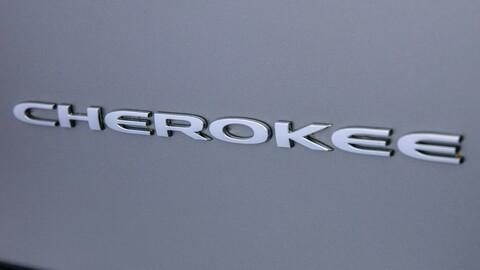 ¿Por qué Jeep podría eliminar los emblemas Cherokee y Grand Cherokee?
