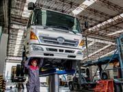 HINO pone a punto su bus o camión en clínica para sus clientes