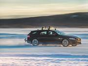 El Jaguar XF marca récord de velocidad remolcando a un esquiador