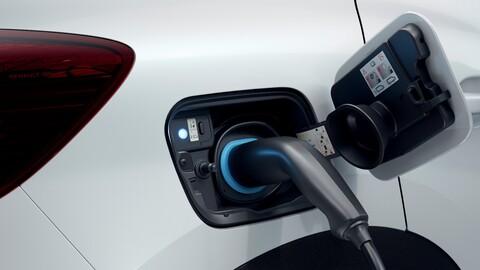 Qué ventajas tienen los autos híbridos plug-in o enchufables