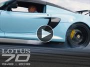 Lotus celebra su 70 aniversario quemando neumáticos
