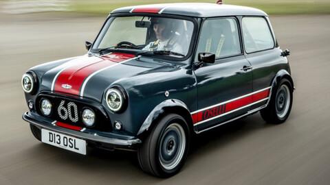 David Brown Automotive desempolva su Mini Cooper en la pista