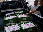 ¿Tenés cambio?: En China, un hombre pagó su auto todo con monedas