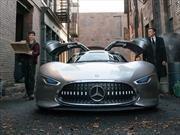 Batman cambia su Batimovil por un Mercedes-Benz