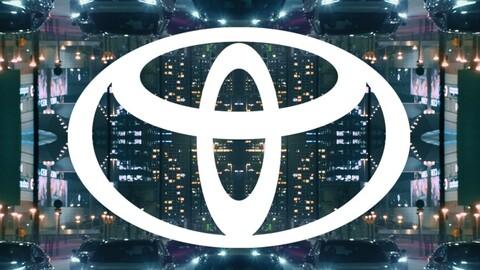 Toyota también se une a la moda de los logos minimalistas