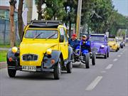 Caravana de Citronetas deslumbró en Santiago
